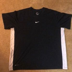 Men's Nike dri-fit short sleeve shirt xxl